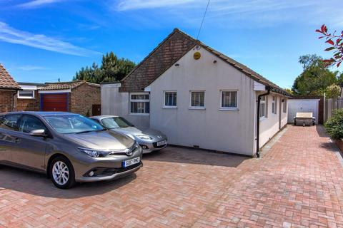 3 bedroom detached bungalow for sale - Freshfields Drive, Lancing