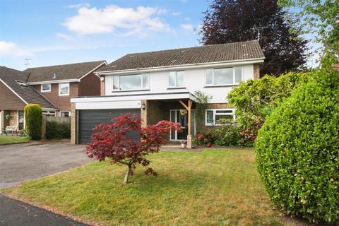 4 bedroom detached house for sale - Chestnut Close, Liphook