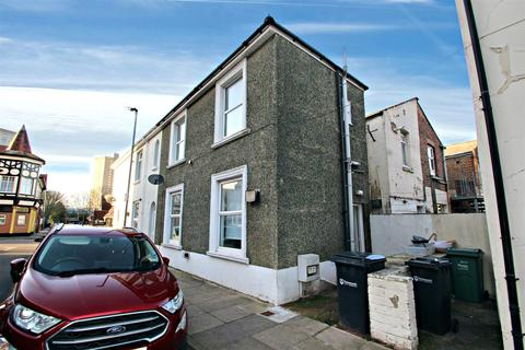 2 bedroom end of terrace house to rent - Somers Road, Southsea