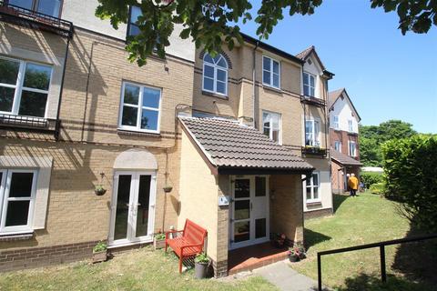 2 bedroom flat to rent - Hazeldene Court, Tynemouth