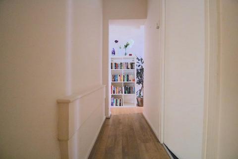 2 bedroom flat to rent - Swanfield Street, London