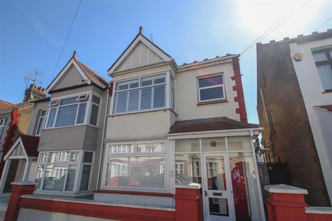 2 bedroom maisonette for sale - Westbourne Grove, Westcliff-On-Sea