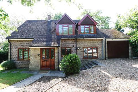 4 bedroom detached house to rent - Elsley Road, Tilehurst