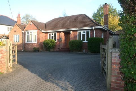 3 bedroom detached bungalow for sale - Barnfield, Marlborough, Wiltshire, SN8
