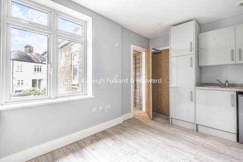 Studio to rent - Baring Road London SE12