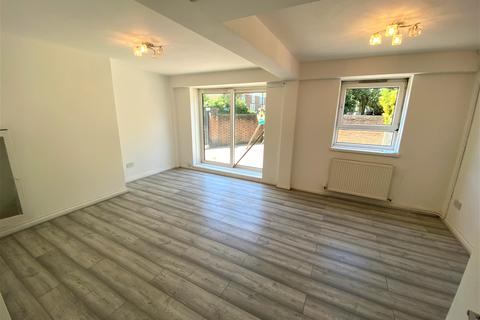 3 bedroom semi-detached house to rent - Stratford E15