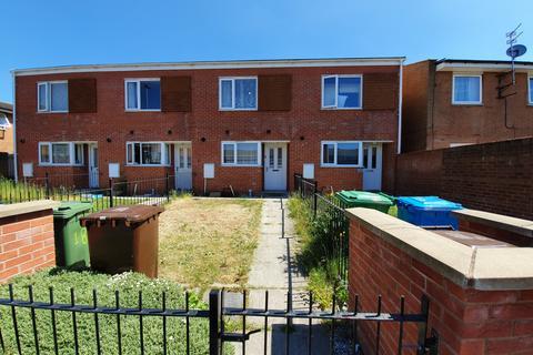 2 bedroom terraced house to rent - Bushmoor Walk, Manchester, M13