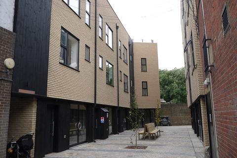 4 bedroom townhouse to rent - DISPENCARY LANE, London, Hackney. E8