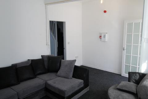 3 bedroom semi-detached house to rent - Moorhall Street,  Preston, PR1