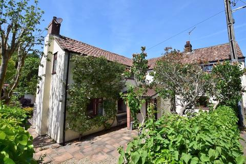 4 bedroom detached house for sale - Beautiful detached cottage in the picturesque Swiss Valley