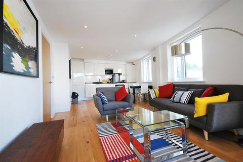 2 bedroom flat to rent - Cavell Street, E1