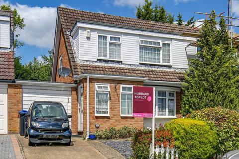 3 bedroom semi-detached house for sale - Teal Close, Selsdon Vale, South Croydon, Surrey, CR2 8SU