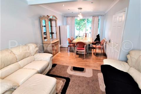 3 bedroom house to rent - Yoxley Drive, Ilford