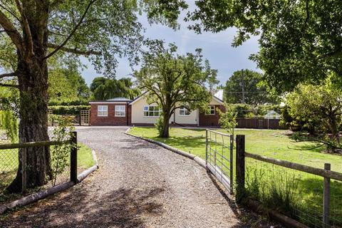3 bedroom detached house for sale - London Road, Nantwich, Cheshire