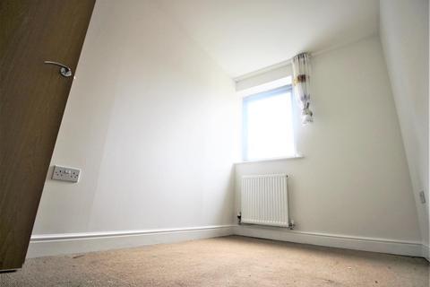 2 bedroom flat to rent - Millicent grove