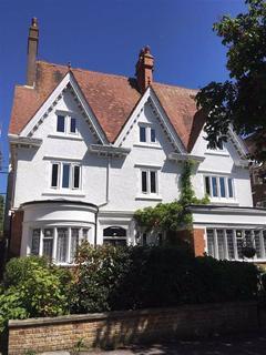 3 bedroom flat to rent - Grimston Gardens, Folkestone, Kent, CT20