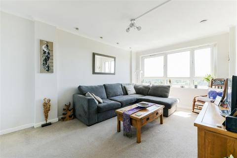 2 bedroom apartment for sale - Edgecombe House, Whitlock Drive, Southfields