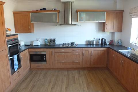 4 bedroom terraced house to rent - Alnwick View, Leeds, West Yorkshire, LS16