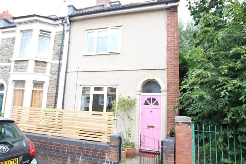 3 bedroom end of terrace house for sale - Chelsea Road, Bristol, BS5 6AF