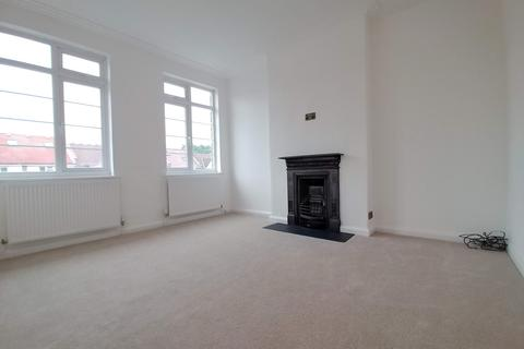 2 bedroom flat to rent - Woodhouse Road, North Finchley N12