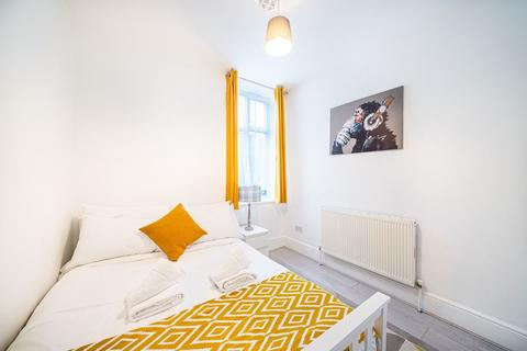 1 bedroom flat to rent - Plender Street, London NW1