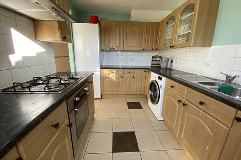 3 bedroom terraced house to rent - Luton , LU4
