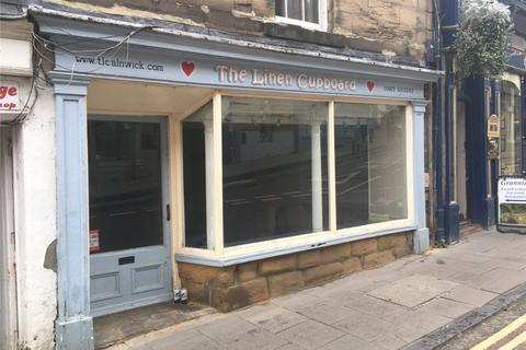 Shop to rent - Narrowgate, Alnwick, Northumberland, NE66