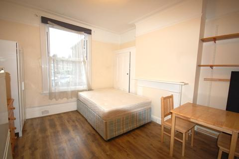 1 bedroom house share to rent - Oxford Road, Finsbury Park, N4