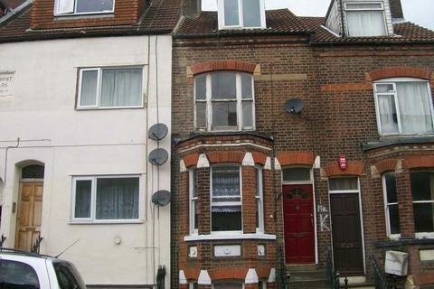 3 bedroom flat to rent - Buxton Rd, luton LU1