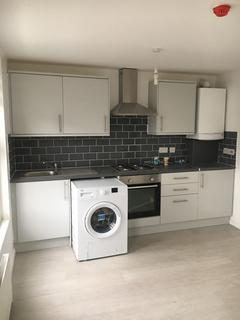 1 bedroom flat to rent - Roundway Road, London, N17