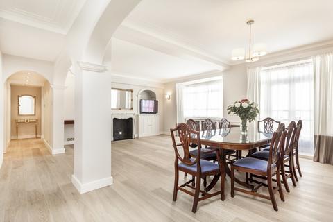 3 bedroom flat to rent - Lancaster Court, Lancaster Gate, Hyde Park, London, W2