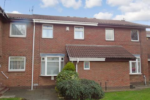3 bedroom terraced house for sale - Queens Court, Teams, Gateshead, Tyne & Wear, NE8 2TF