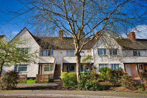 2 bedroom flat for sale - Birchwood Road, West Byfleet, KT14