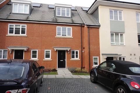 3 bedroom townhouse to rent - Blossom Drive, Orpington, BR6
