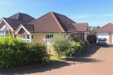 2 bedroom bungalow for sale - Calderwood, Shorne, Gravesend, Kent