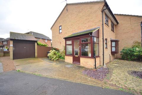 3 bedroom semi-detached house to rent - Barrington Crescent Birchington CT7