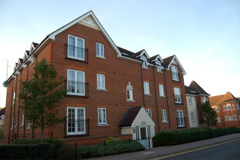 2 bedroom apartment to rent - Whinbush Road, Hitchin, SG5