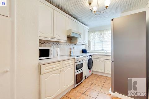 3 bedroom terraced house to rent - Newman Road, London, E13
