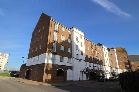 2 bedroom flat to rent - Bermuda Place, South Harbour, Eastbourne BN23