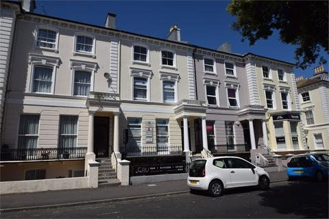 Property to rent - Hyde Gardens, EASTBOURNE, East Sussex