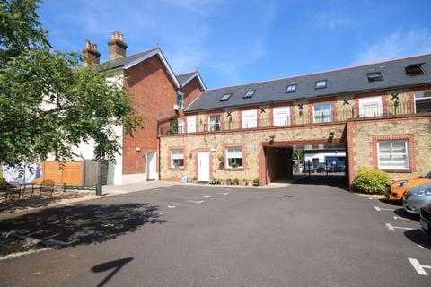 2 bedroom property to rent - Liphook, Station Road