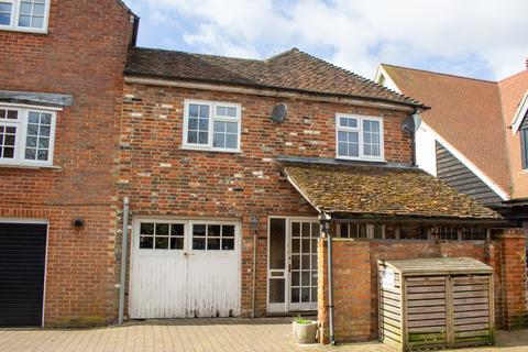 2 bedroom apartment for sale - West Street, Alresford