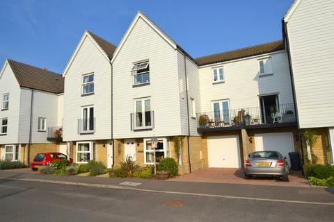 4 bedroom terraced house to rent - Dove House Meadow, Great Cornard