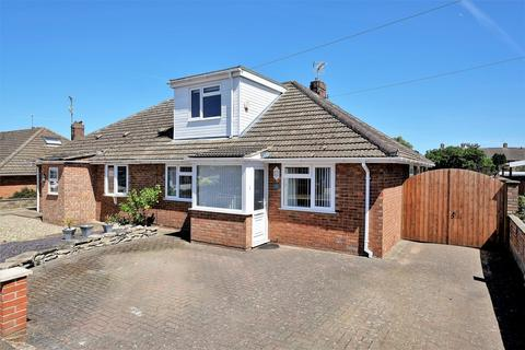 4 bedroom chalet for sale - Moore Avenue, Norwich
