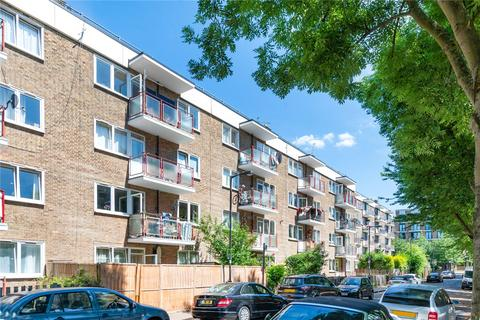 2 bedroom flat for sale - Larch House, Ainsty Estate, London, SE16
