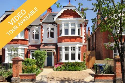 6 bedroom semi-detached house for sale - Montague Gardens, W3