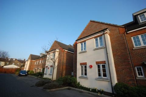 2 bedroom maisonette to rent - GATED DEVELOPMENT CLOSE TO WATFORD HOSPITAL