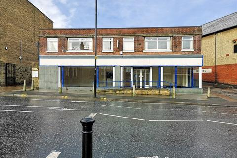 Retail property (high street) to rent - Church Lane, Pudsey, Leeds