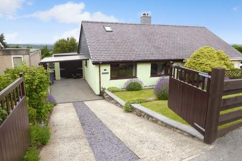 3 bedroom semi-detached house for sale - Rhiwlas