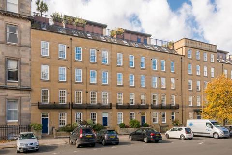 2 bedroom flat to rent - Brunswick Street, Hillside, Edinburgh